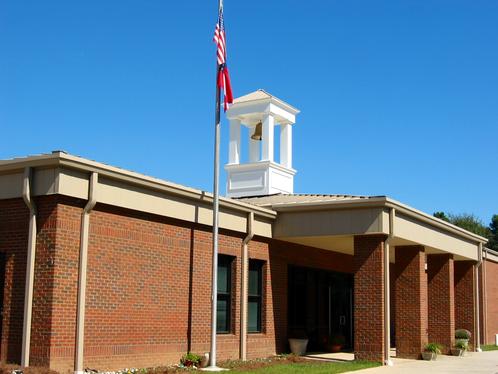 Front Exterior of Building - Cox Elementary School