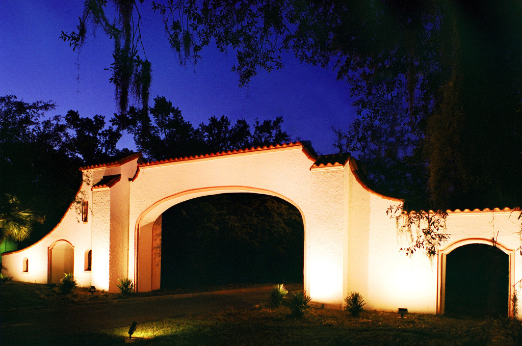 LOS ROBLES GATE-1